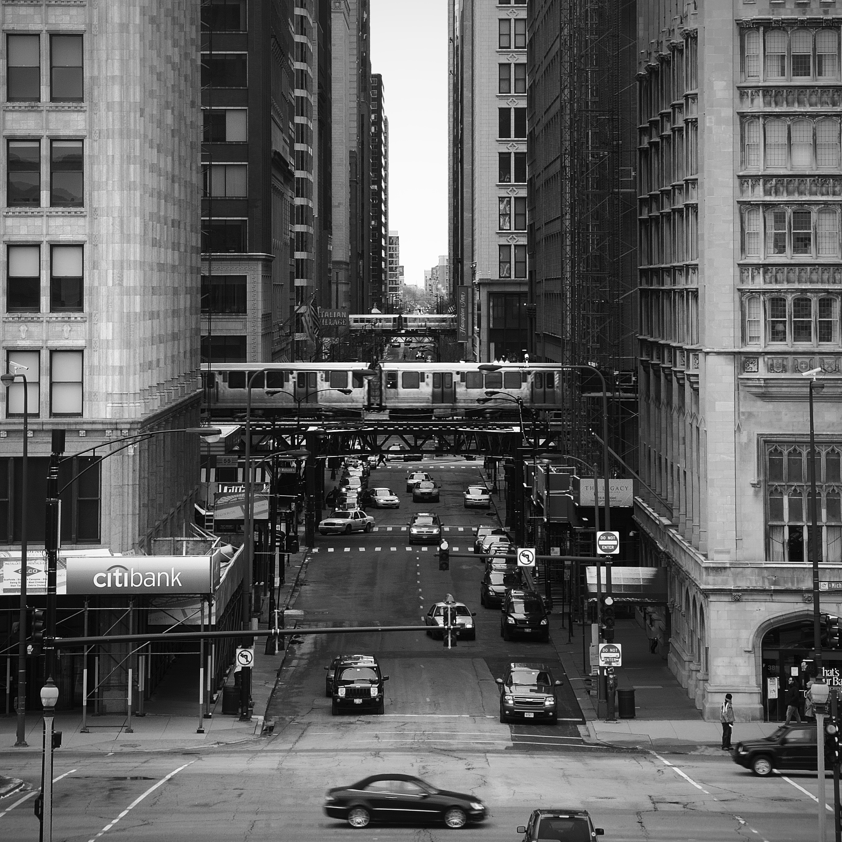 Chicago_Loop_b&w_by_Paul-Wellner-Bou.jpg