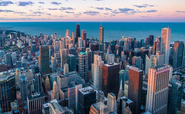 Chicago_skyline_from_southwest_by_pedro-lastra.jpg