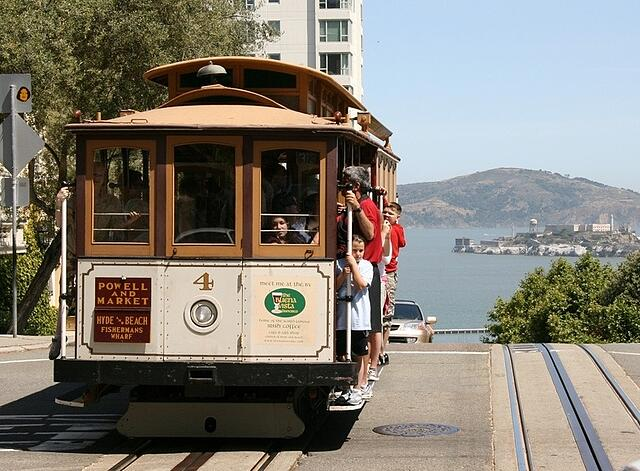 San-Francisco_Cable-Car.jpg