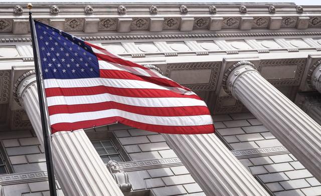 US-flag_&_govt_building_by_brandon-mowinkel_2.jpg
