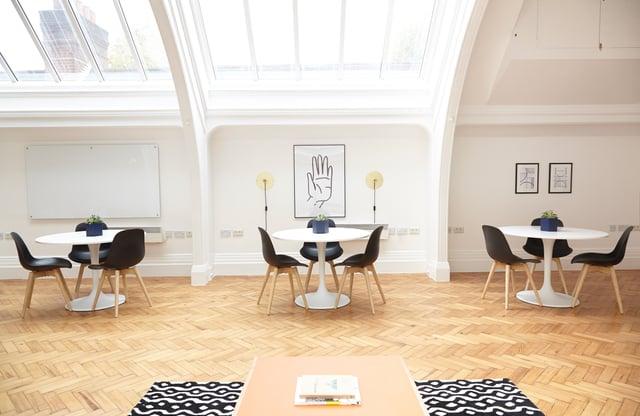 White_modern_interior_office_with_skylight.jpg