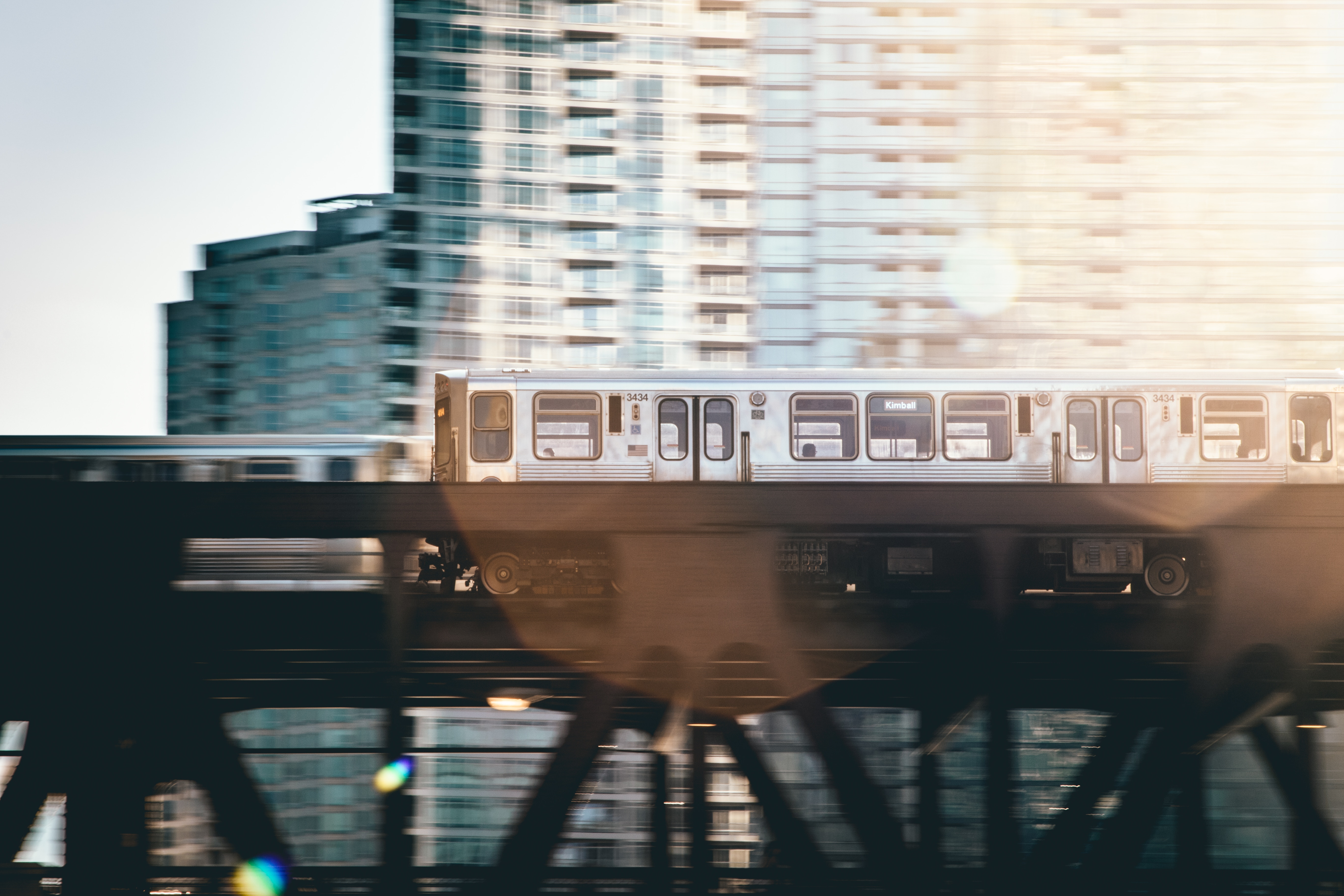 chicago-elevated-train-with-lens-flare.jpg