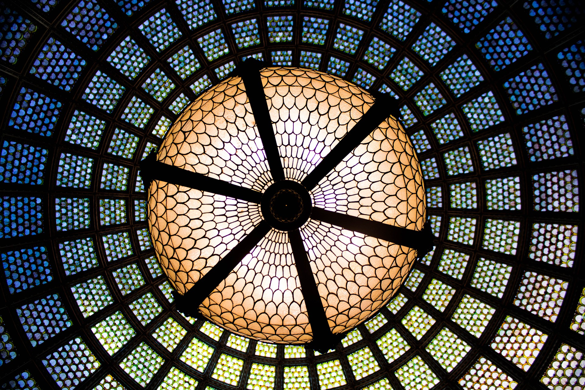 Tiffany Dome in Chicago Cultural Center Center View