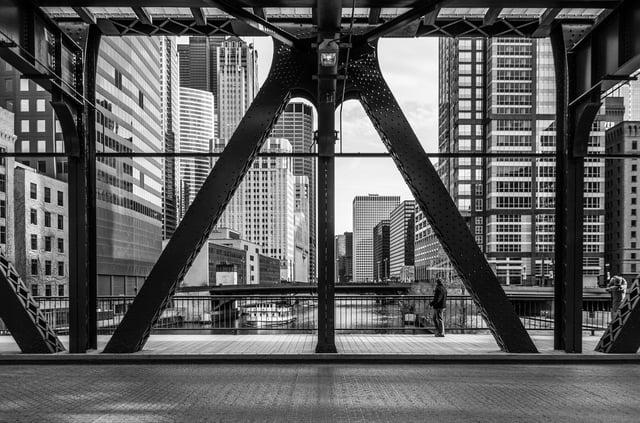 Chicago_river_bridge_b-w_by_andrew-seaman