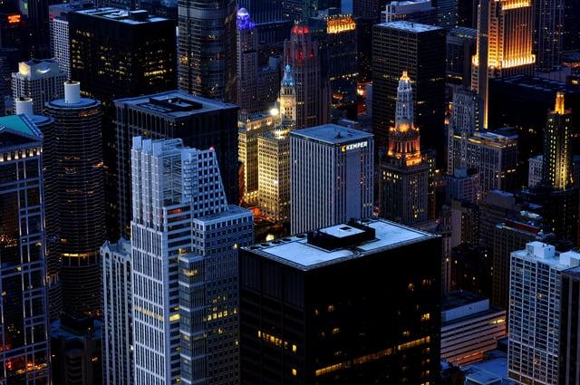 Chicago_skyscraper_lights_by_Alex_Shutin.jpg