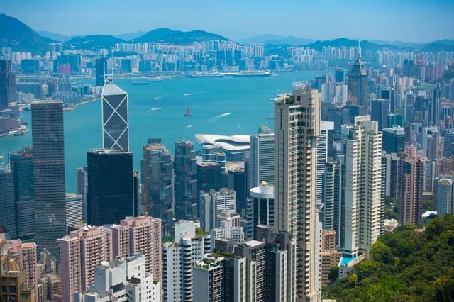 skyscrapers-Harbor_Hong-Kong_Ben-Silverman