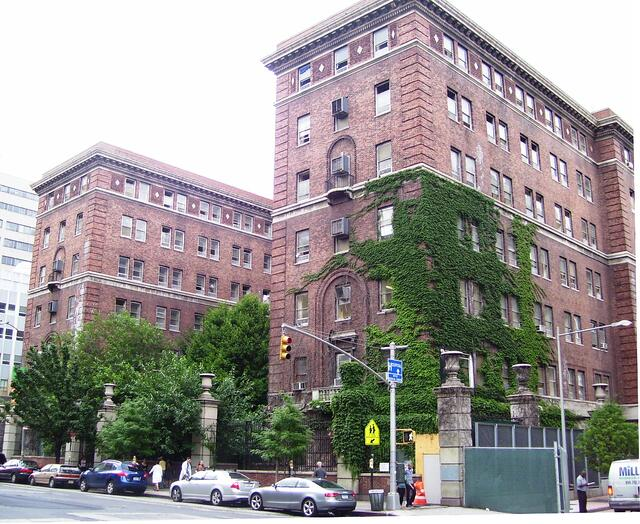 Bellevue_Psychiatric_Hospital_old_building.jpg