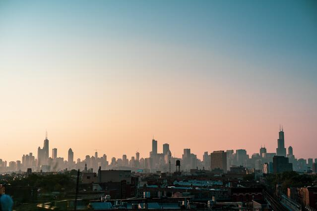 Chicago_skyline_at_sunset