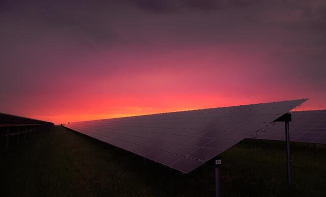 solar-panel-at-sunset-with-red-sky