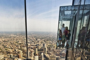 Ledge_Chicago_Skydeck.jpg