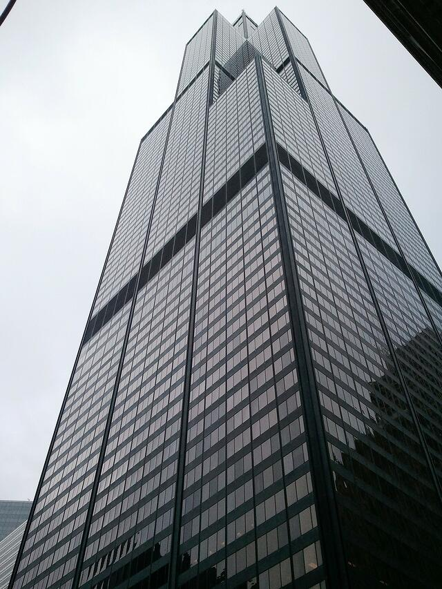 side view of Willis Tower skyscraper in chicago overcast